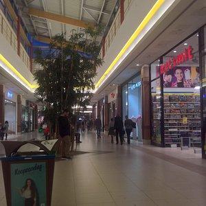 Waasland Shopping Center