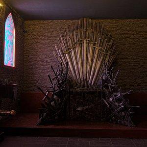 Der eiserne Thron / the iron throne