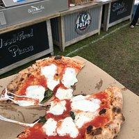 Great Margherita pizza.