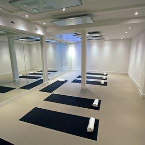 Hot Flow Yoga Jordaan Studio