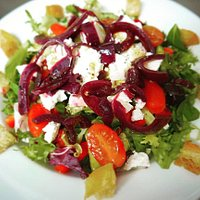 Local Ellie's goat cheese and caramelised red onion salad