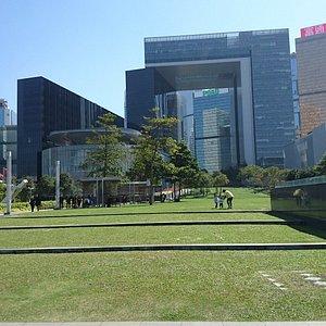 立法會綜合大樓公園