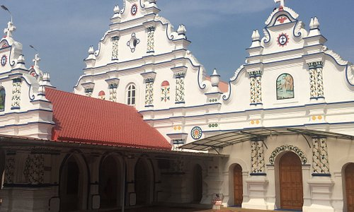 St. George Jacobite Syrian Church son the way to Kottayam dating back to 4th Century BC