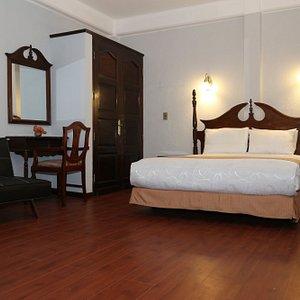Habitación de una persona, con cama matrimonial