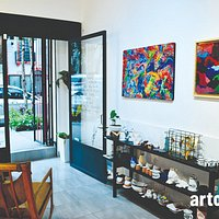 arto|otra is an art and design gallery based in Mexico City.