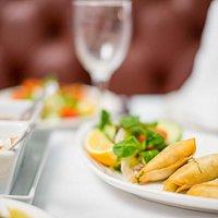 Cinnamons of Axminster: food pictures - Samosas & Chutneys