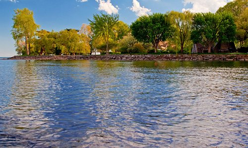 The home is situated on Lake St. Clair, and guests can walk the shoreline to soak in the view.