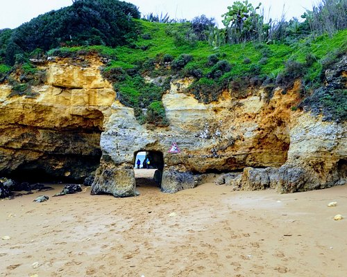 Túnel ligando as praias