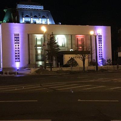 ライトアップされた旧日本銀行釧路支店
