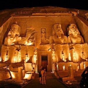 Private Tour: to Abu Simbel & Queen Nefertari Tempels