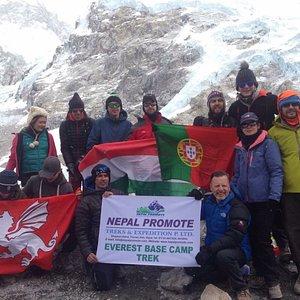 Everest Base Camp Trek Photo with nice people 🙏