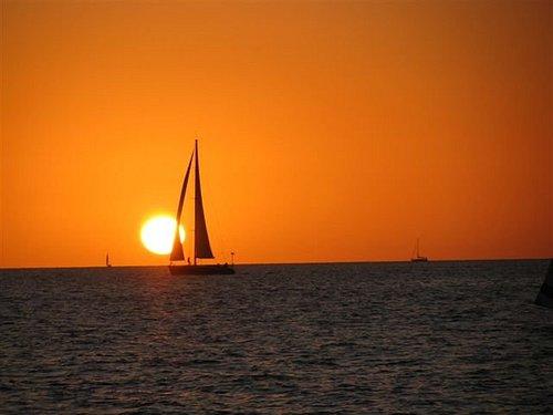 Parties, birthdays, bat mitzvahs, bar mitzvahs and up to 40 sailors including sea activities and