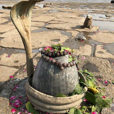 Sahadev Lingam at the Nishkalank Mahadev Temple in Bhavnagar