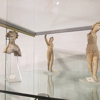 statuette fittili votive da taranto periodo ellenistico
