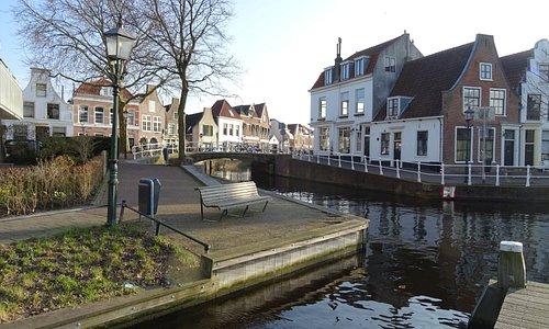 De rivier het Spaarne te Haarlem;architectuur aan het Spaarne