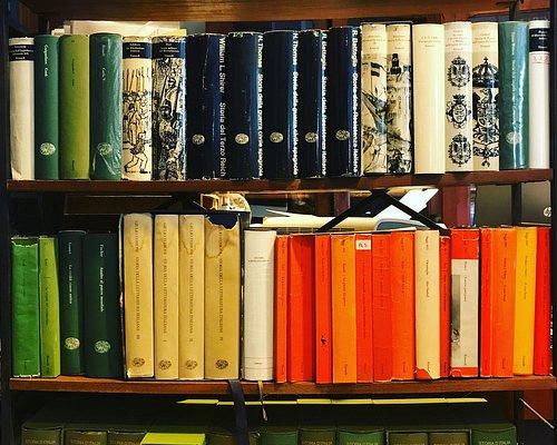 I libri sono ponti ostinati: uniscono, creano legami. (Giuseppe Avigliano)
