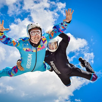 Tandem flight with an instructor in a safe environment