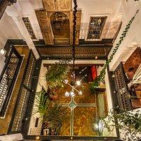 Vue partielle du restaurant depuis la terrasse du Comptoir du Pacha