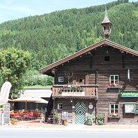 Steakhaus Schusterhäusl im Sommer