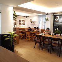 Quiet cafe' for studying