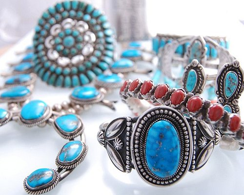 Old Pawn Vintage Jewelry. Always a great selection of quality items.