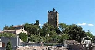 """La """"Tour de l'horloge"""" des valréassiens est en réalité le donjon du Château Ripert."""