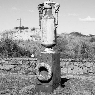 de urn en het kruis