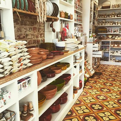 Part of our deli store! Kitchenware in action / handcrafted / natural with organic smalto and cl