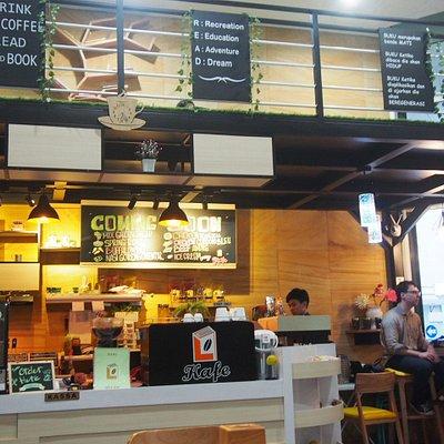 a cafe on the lobby