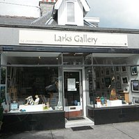 Larks Gallery is a friendly, contemporary gallery stocking original art and artisan craft.