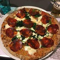 Pizza con pochi carboidrati e ricca di proteine, una vera delizia