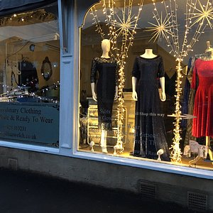 Beautiful dresses and gowns ready to wear and bespoke