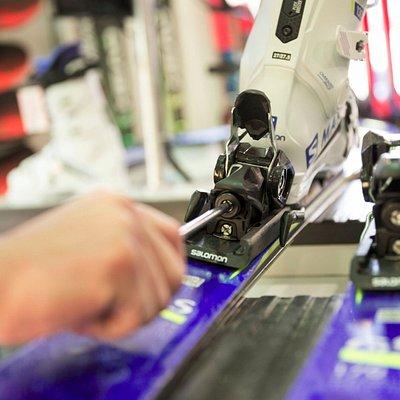 Salomon gs e Max Carbon Set by Ski Rental Canazei Peak Sport Adventure