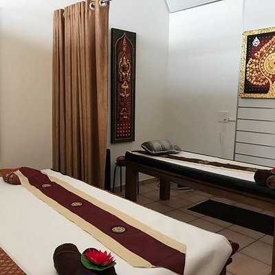 Thai and oil massage beds