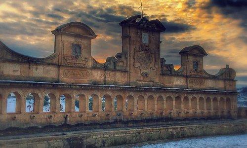 Tra le bellezze di Leonforte non può mancare la Granfonte con i suoi 24 cannoli e il suo panoram