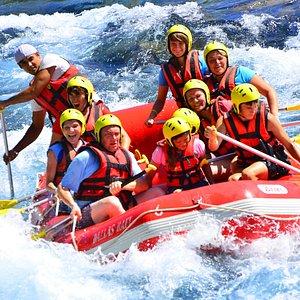 10 kişilik botlarla, deneyime gerek olmaksızın Rafting heyecanı.