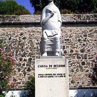 Estátua de Garcia de Resende