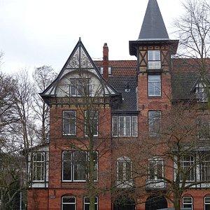 """Florapark Haarlem;architectuur uit de jaren 1900-1910"""