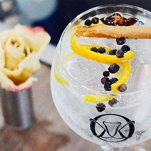 Crea tu propia copa a tu gusto con los mejores destilados. Esto es WELKHOMEclub
