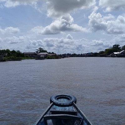 Cruising arut river