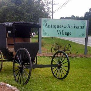 Roadside at Antiques & Artisans Village.