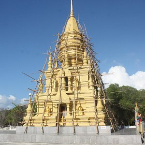 laem-sor-pagoda.jpg?w=300&h=300&s=1