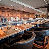 В формате фуршета ресторан вмещает до 400 гостей