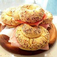 CURCUMA ☀🌻  croissants con farina di mais e curcuma e panini con curcuma e farro