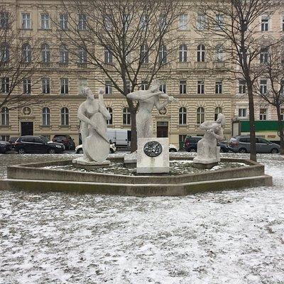 Antonio Vivaldi Monument - Votivpark