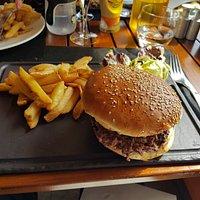 Burger Chèvre : enormement délicieux !! Et très bon rapport qualité/ prix