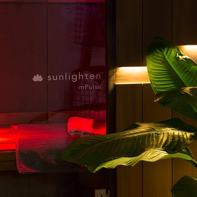 Experience the Sunlighten Full Spectrum Infrared Sauna. Near, MId and Far Infrared.