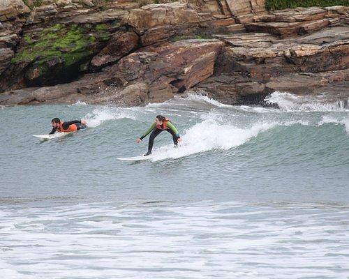 clases de surf en la playa de Foz