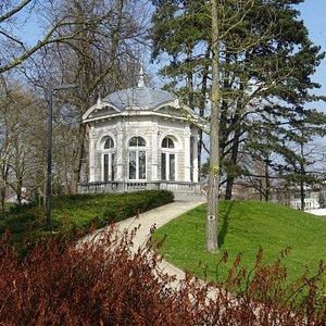 """""""Proosdijpark Meerssen uit de jaren 1800-1890 naast Basiliek"""""""