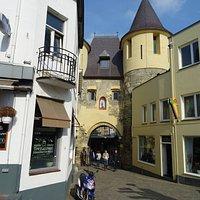 """""""Middeleeuwse (met restauraties)Grendelpoort Valkenburg aan de Geul"""""""